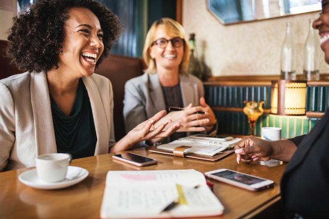 business-happy-conversation