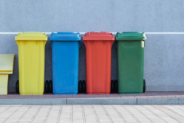 garbage-containers-bin-colours