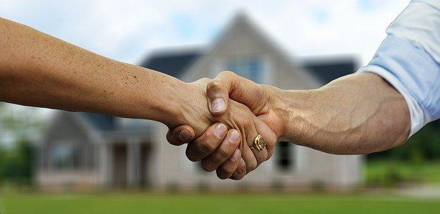 tenant and landlord handshake